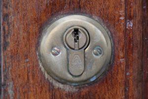 Der Schlüssel ist im Schloss abgebrochen