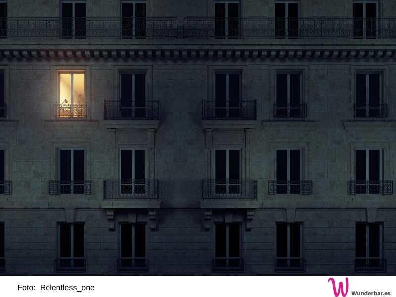 Erst die Fenster schließen, dann das Licht einschalten. So bleiben die Mücken draussen.