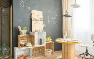 Obstkisten werden zu Regal, Tisch und Kinderküche