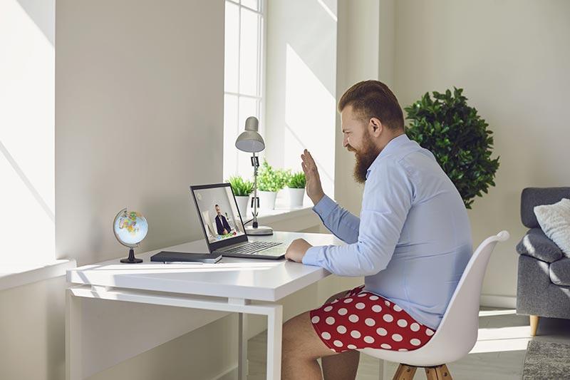 Home Office hat viele positive Seiten. Zum Beispiel, zumindest zum Teil ganz sein wahres Ich ausleben zu können.