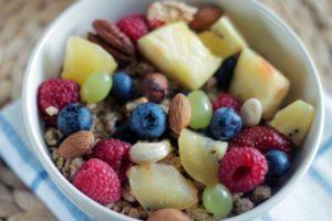 Obst und Nuesse