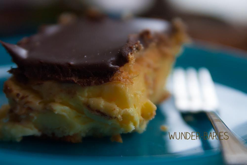 So machst Du leckeren cremigen Puddingkuchen mit einer zarten Schokoladendecke ganz leicht und schnell selbst. Der gelingt garantiert! #puddingkuchen #schokokuchen #nigeriakuchen